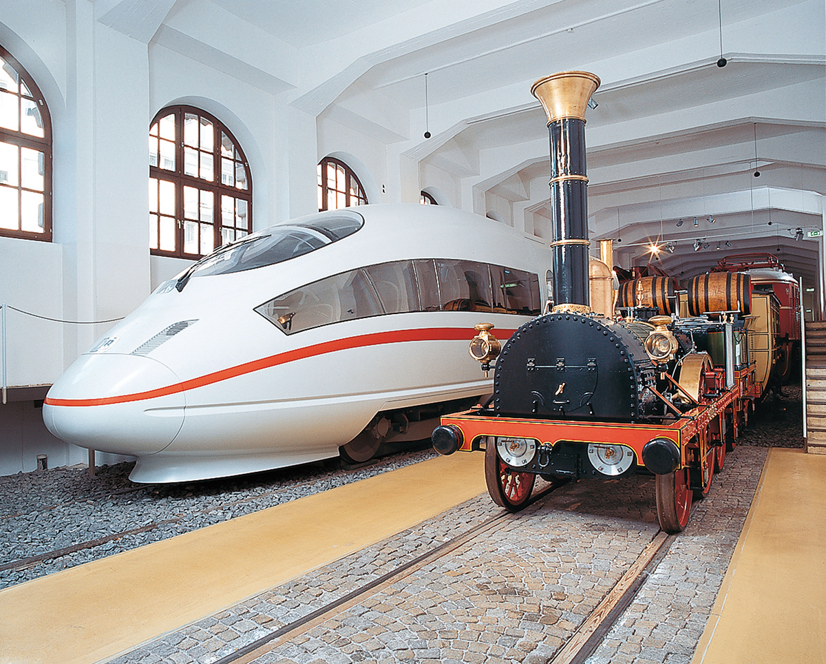 An ICE 3 and the Adler, which marked the start of German railway history in 1835 on the route between Nuremberg and Fürth